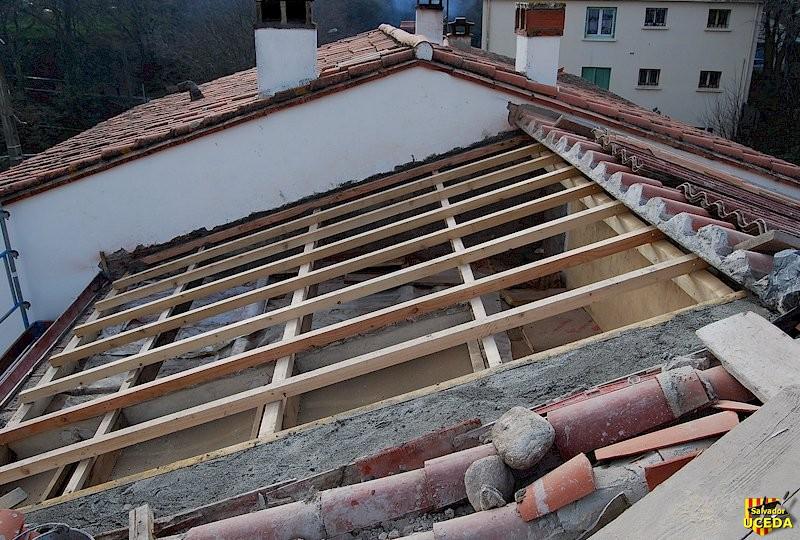Rénovation toiture à Sorède (66) par l'Entreprise Salvador Uceda - charpente