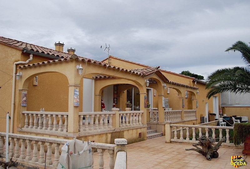 Terrasse et arcades